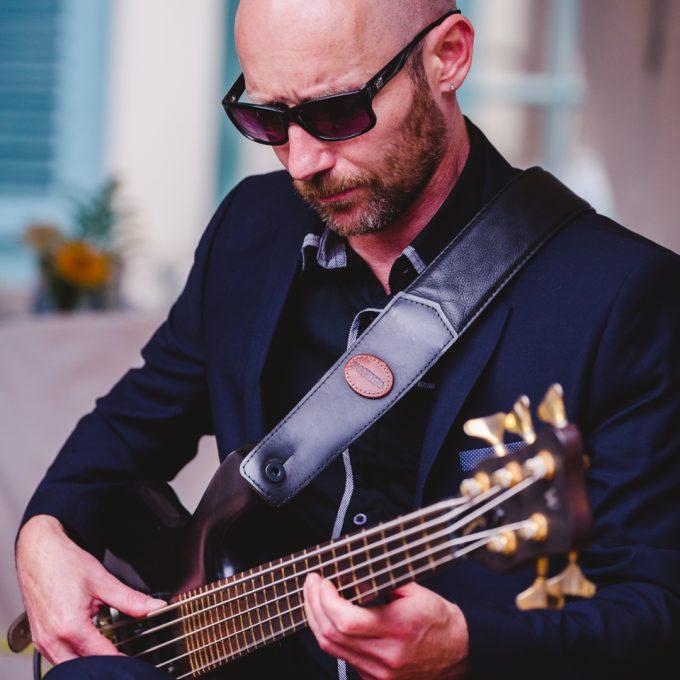 Bassiste Allopop Pedro